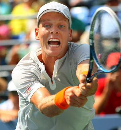 Stepanek, Berdych give Czechs 2-0 Davis Cup lead