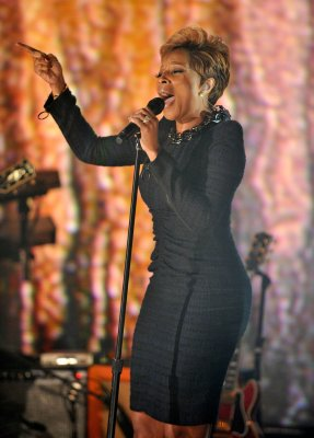 Blige, Bocelli to team up at Grammys