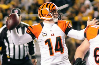 Cincinnati Bengals seek to end lengthy playoff drought, visit Indianapolis Colts