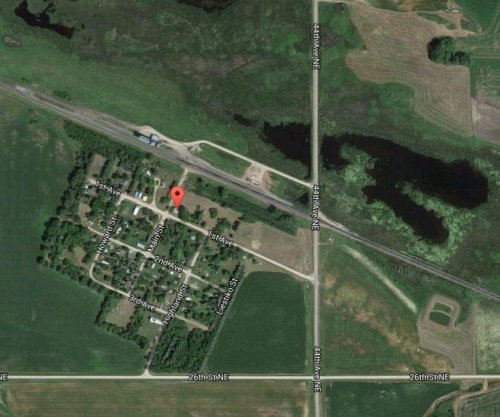 Crude oil train derails in North Dakota