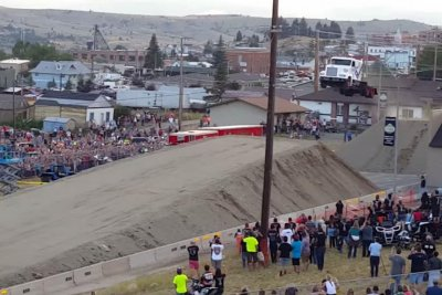 Semi truck jumps 166 feet at Evel Knievel Days
