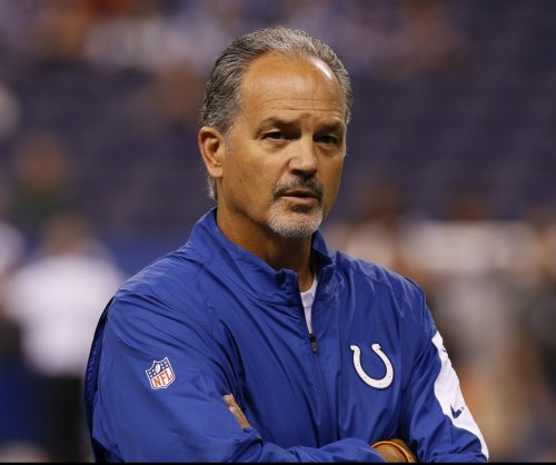 Indianapolis Colts' Chuck Pagano not giving up yet