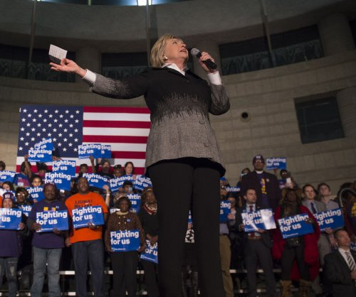 United Auto Workers union pledges endorsement to Hillary Clinton