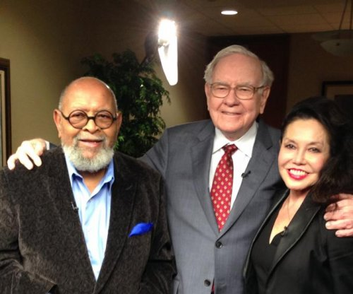 Anonymous donor pays $3,456,789 for lunch with Warren Buffett