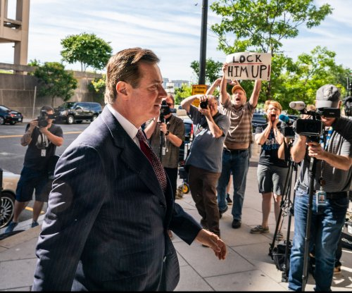 Manafort expected to answer claims he lied to Mueller investigators
