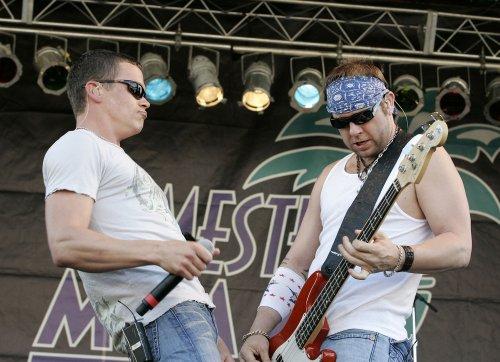 3 Doors Down bassist Robert Todd Harrell charged in car crash