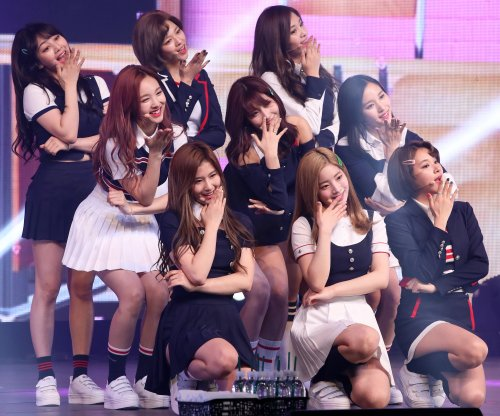 Twice top Oricon chart with Japanese debut album