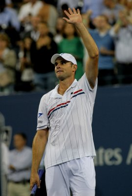 Andy Roddick prolongs career at U.S. Open