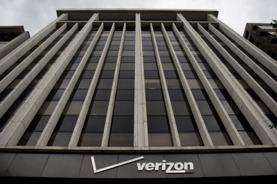 White House defends NSA order to Verizon to reveal call data