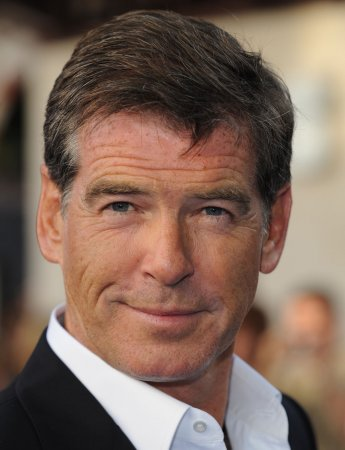 Brosnan, Bullock to be Globes presenters