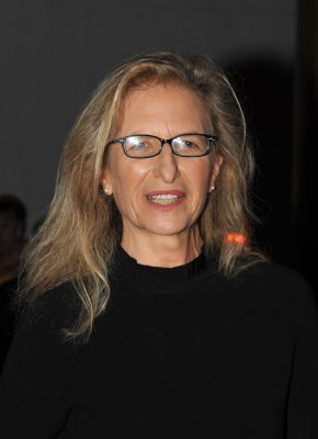 Leibovitz and creditors make a deal