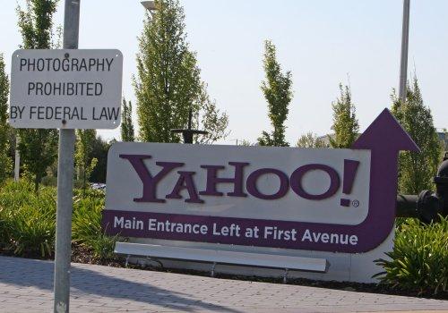 Microsoft gives up bid for Yahoo