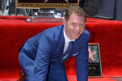 Bobby Flay receives Walk of Fame star amid cheating rumors