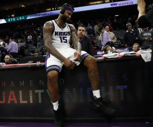 DeMarcus Cousins pours in 40 points as Sacramento Kings edge Los Angeles Lakers