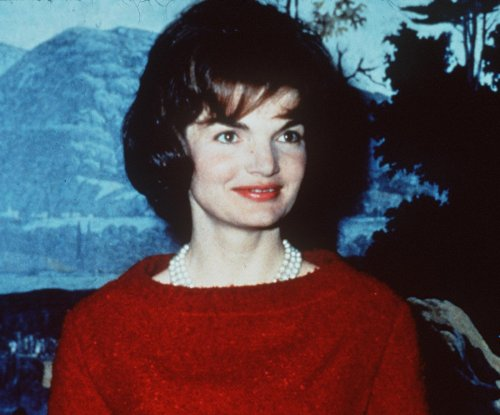 On This Day: First lady Jacqueline Kennedy gives birth