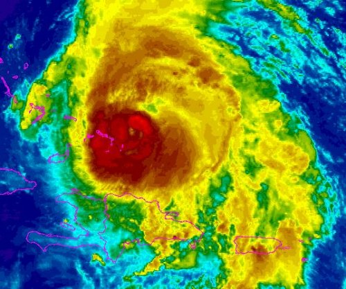 Hurricane Maria whips Turks and Caicos islands