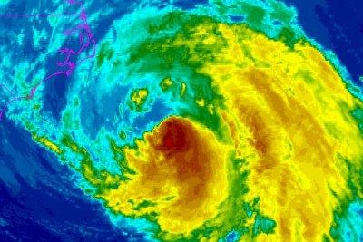 Hurricane Maria weakens moving north of East Coast