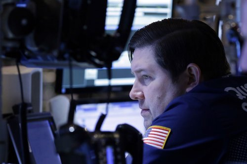 Oil prices hold steady on competitive data, North Sea outage