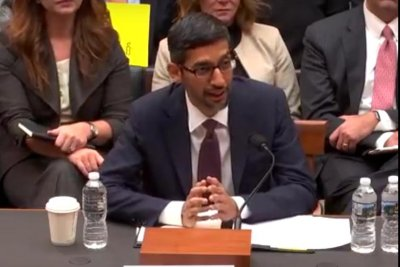 Google CEO doesn't rule out censored search engine in China