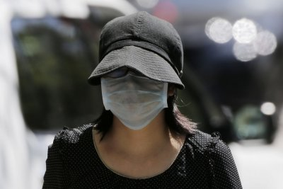 Many U.S. retailers to begin requiring masks for shoppers on Monday