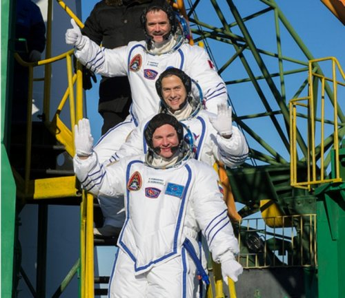New crew members on way to space station