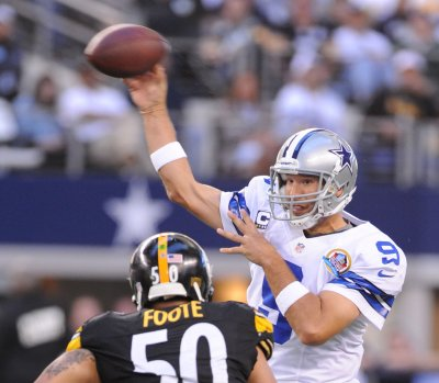 Cowboys sign Tony Romo to huge contract