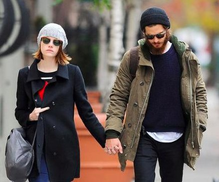 Emma Stone flips off paparazzi during NYC outing with Andrew Garfield