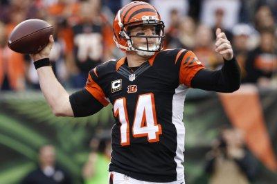 Cincinnati Bengals' Andy Dalton passes test against New York Jets