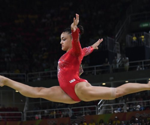 Laurie Hernandez, Vanilla Ice and James Hinchcliffe debut on 'Dancing with the Stars'
