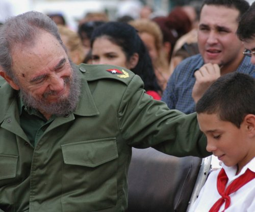 Cher, Andy Garcia, Gloria Estefan react to Fidel Castro's death
