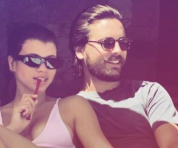 Scott Disick takes Sofia Richie, his kids to Cabo
