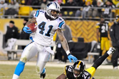 Carolina Panthers releasing veterans Captain Munnerlyn, Mike Adams