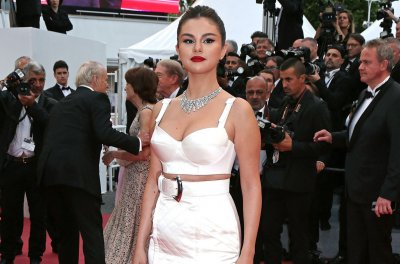 Selena Gomez calls social media dangerous: 'It just scares me'