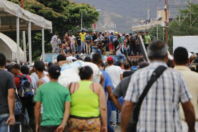 Venezuelans face crime, coronavirus at Colombia's closed border