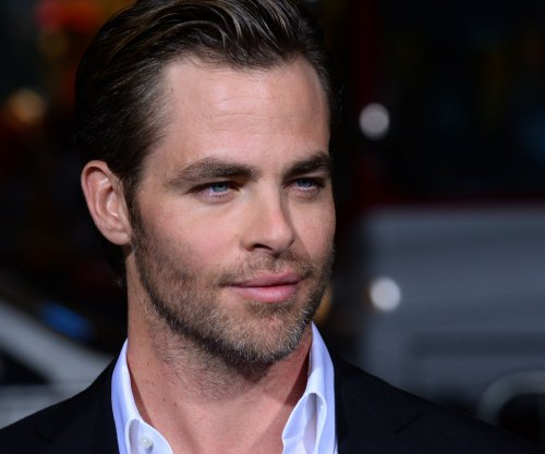 Chris Pine, J.J. Abrams, Alfonso Cuarón to announce Oscar nominations