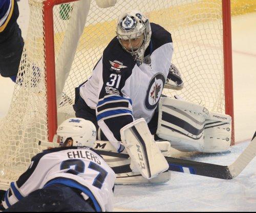 Winnipeg Jets G Ondrej Pavelec undergoes arthroscopic knee surgery