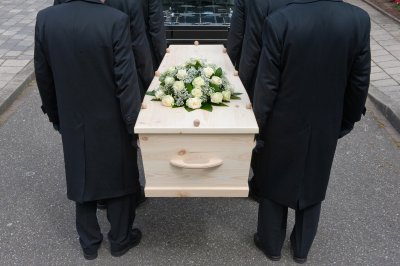 Japanese town offering discount funerals for seniors who give up driving
