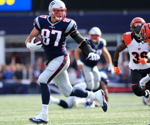 Rob Gronkowski looks sharp in New England Patriots OTAs after back surgery