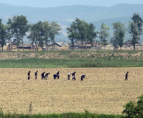 North Korea drought mobilizes workers to fight drought, bans travel