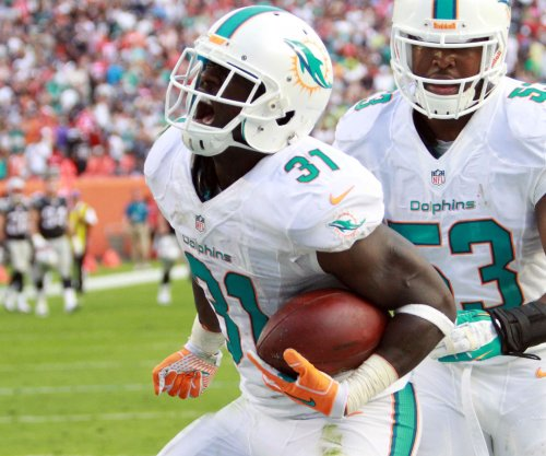 New York Giants sign former Miami Dolphins safety Michael Thomas