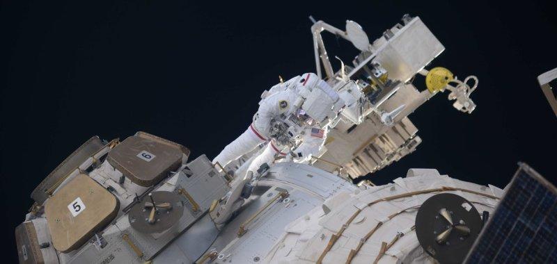 Astronauts install antennas, make repairs during six-hour