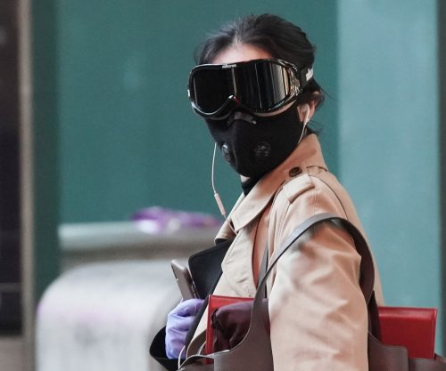 Scientists struggle to explain how coronavirus moves through the air
