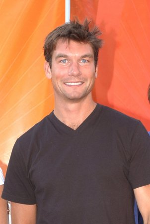 O'Connell to co-host CBS preview special