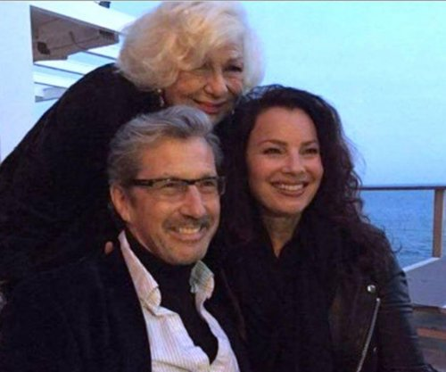 'The Nanny' stars reunite at Fran Drescher's house