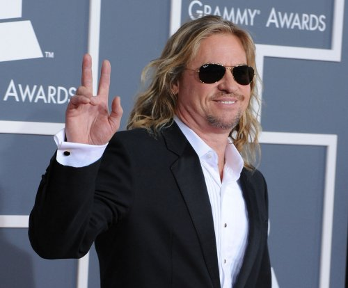 Val Kilmer addresses rumors about his health: 'I have no cancer whatsoever'