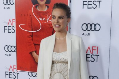 Natalie Portman's Jackie Kennedy voice was 'absolutely perfect,' says Peter Sarsgaard