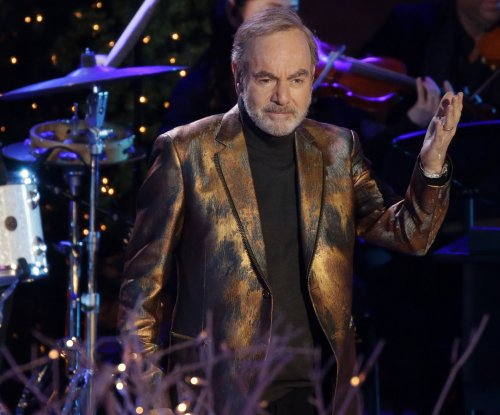 Neil Diamond diagnosed with Parkinson's, retires from touring