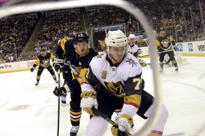Vegas Golden Knights sign William Karlsson to one-year deal