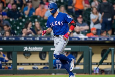 Rangers place Hunter Pence on injured list