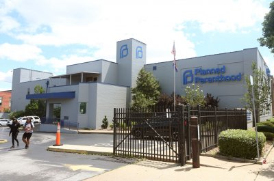Judge halts implementation of Missouri abortion law